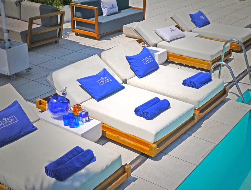 BED RENTAL @ GO BEACH CLUB POOL  - Premium Go Beach Club Barcelona Pool