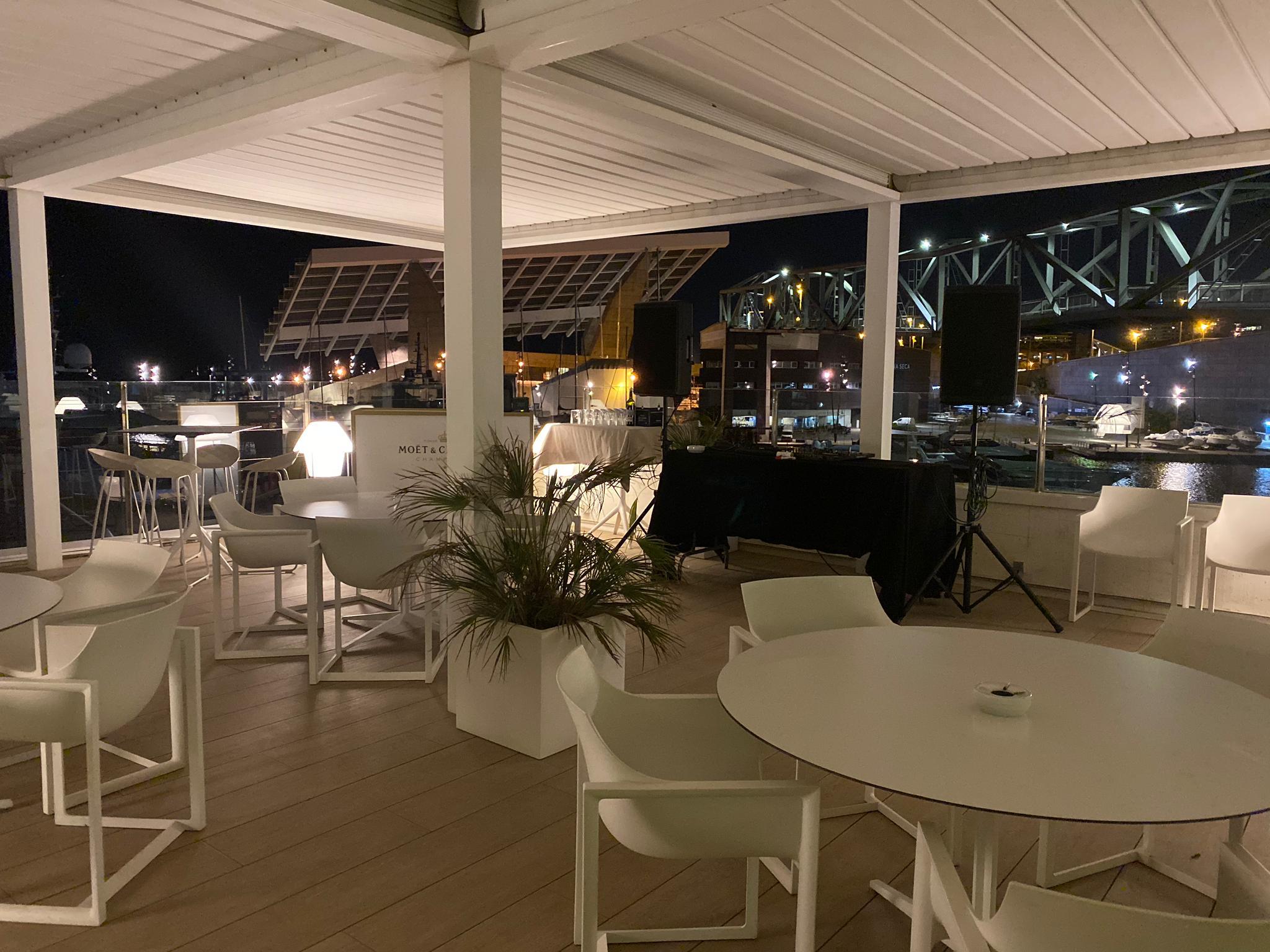CELEBRATE YOUR BIRTHDAY OT THE SEA  GO BEACH CLUB BARCELONA RESTAURANT