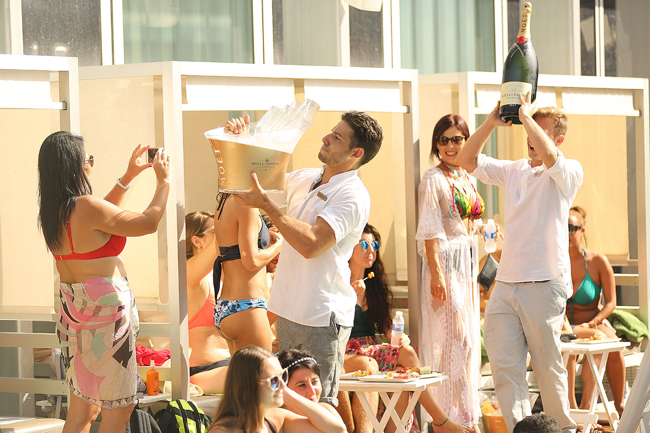 SKY LIFE @ LE POOL  LE POOL CLUB - MELIA SKY
