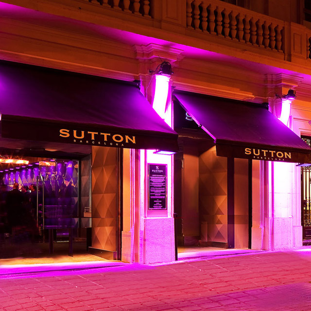 A LA MODE- SUTTON BARCELONA SUTTON THE CLUB