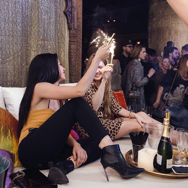 BANANA KISS FEAT. SKY (J. BALVIN PRODUCER & DJ RESIDENT) CARPE DIEM BARCELONA